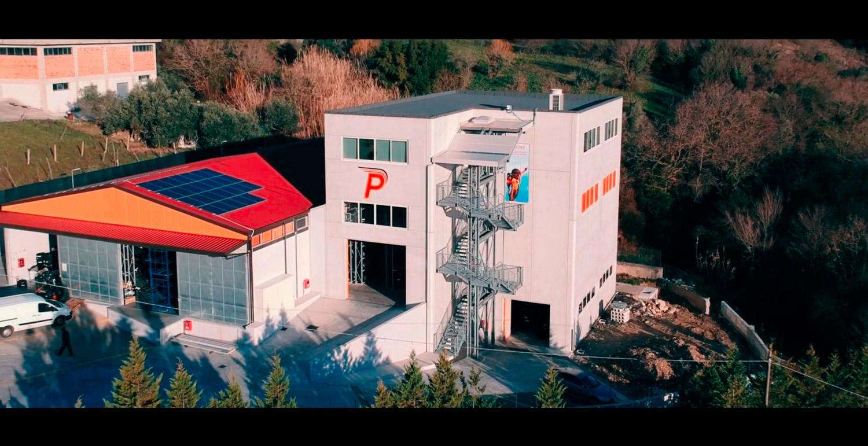 fermo immagine video istituzionale picone pneumatici vista azienda da drone